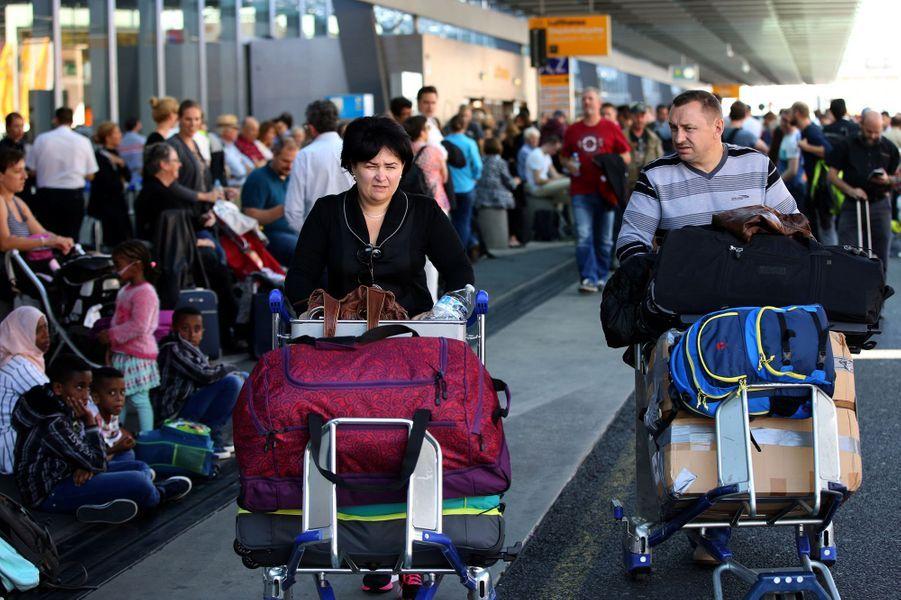 Le terminal 1 de l'aéroport de Francfort, en Allemagne, a été évacué après une faille dans la sécurité.