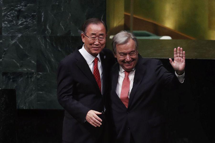 1er janvier 2017 : Antonio Guterres succède à Ban Ki-moon au poste de secrétaire-général de l'ONU.
