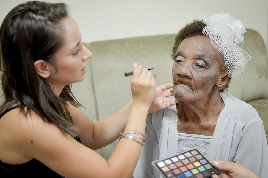 Valdemira, 102 ans, et Aparecido, 66 ans, se sont fiancés le 28 janvier dernier, au Brésil.