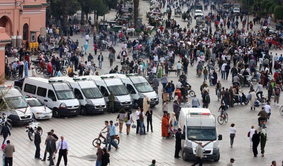 Toujours selon le site du quotidien Le Parisien, qui cite un responsable de l'hôpital de Marrakech: «On a reçu 18 patients au CHU de Marrakech, souligne Hicham Njimi, le chef des urgences. Sept sont dans un état critique et ont été immédiatement opérés. Les autres souffrent de fractures et de brûlures importantes, certains ont été amputés.» Le bilan risque donc de s'alourdir dans les heures qui suivent.