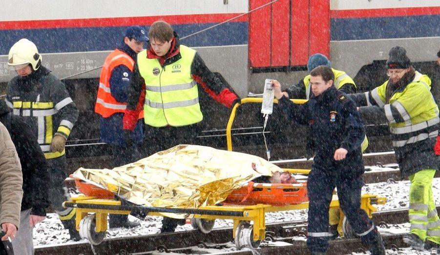 Au moins 18 morts et 125 blessés