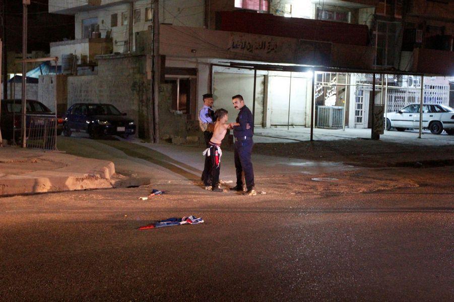 Irak: un adolescent interpellé avec une ceinture explosive.