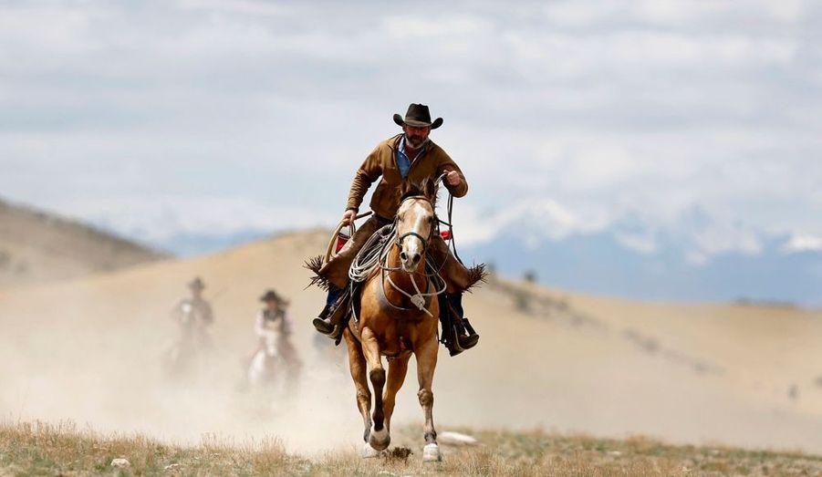Comme dans un western en cinémascope, le cow-boy Shad Boardman (ou plutôt wrangler, le véritable terme) lâche la bride à sa monture.