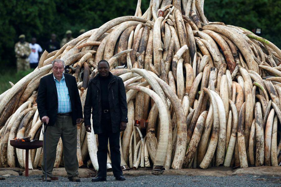 Le Kenya détruit la plus grande quantité d'ivoire de l'histoire.