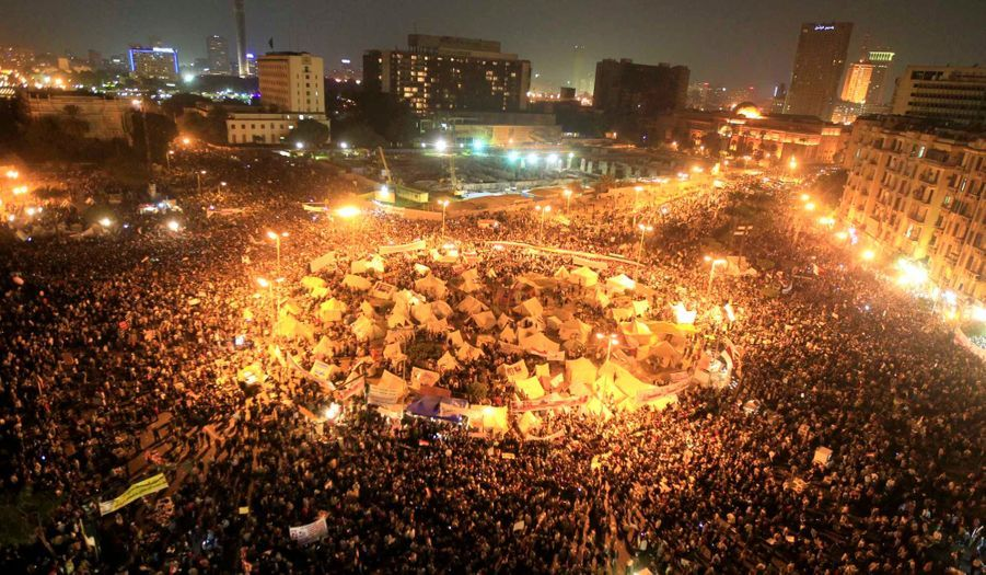 Les manifestants sont restés jusque tard dans la soirée place Tahrir