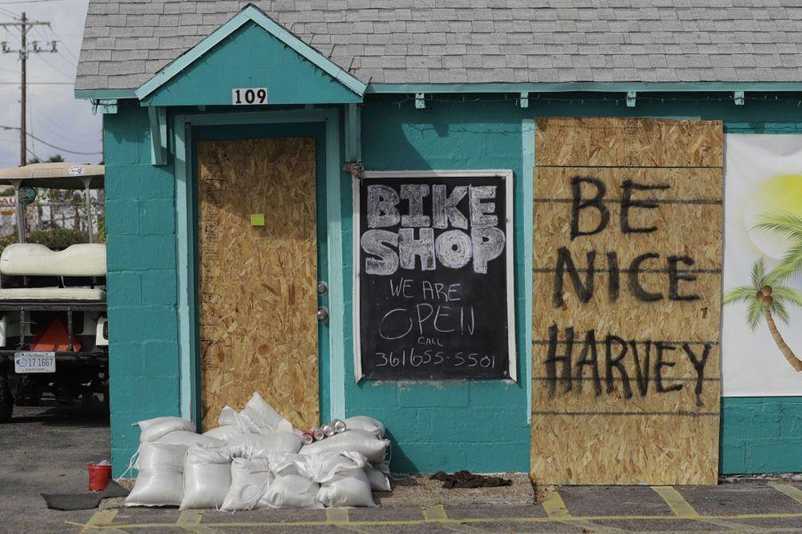 Le Texas se prépare à l'arrivée de l'ouragan Harvey.
