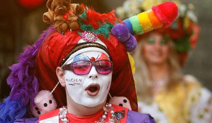 """Munich a accueilli dimanche l'un des festivals de GayPride les plus emblématiques et les plus transcendants d'Europe: le """"Christopher Street Day festival""""."""