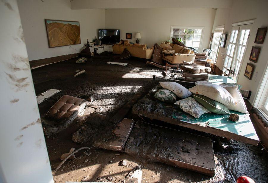 Les Coulées De Boue En Californie Ont Fait 18 Morts Et Détruit 65 Maisons    4