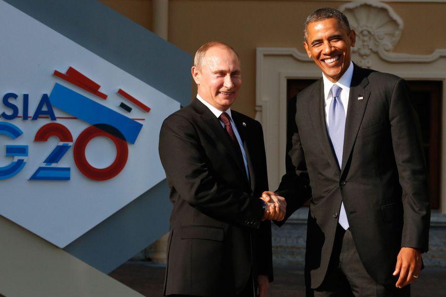 Le sommet international du G20 s'est ouvert ce jeudi, à Saint-Pétersbourg. Les dirigeants des 20 pays les plus puissants de la planète ont convergé vers la métropole russe pour aborder des sujets d'envergure globaleavec en priorité l'épineux dossier syrien, et -en principe- le problème de l'évasion fiscale. Entre Barack Obama et Vladimir Poutine, la tension est palpable. Le président américain, qui avait déjà annulé sa visite à Moscou prévue avant le G20, a d'ores et déjà annoncé qu'il quitterait la Russie sans assister à la soirée de clôture. De son côté, le président français tentera de convaincre plusieurs pays de la nécessité d'une intervention en Syrie.