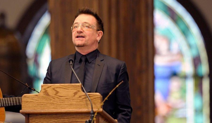 Le leader de U2, soutien célèbre du parti démocrate, a également interprété quelques versets.