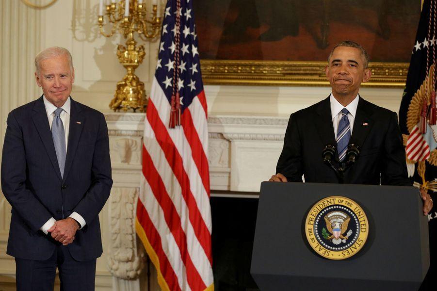 Barack Obama rend hommage à Joe Biden.