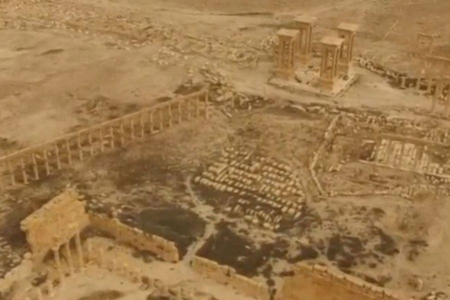 Les premières images de Palmyre, reprise à l'EI par l'armée syrienne.