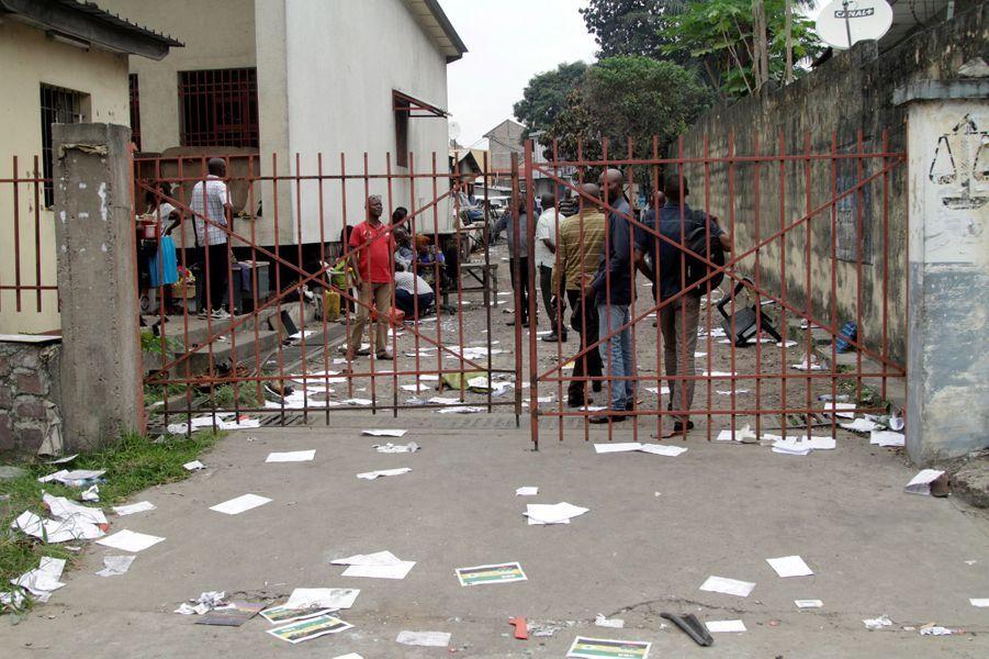 Les violences à Kinshasa ont fait 32 morts, lundi et mardi.