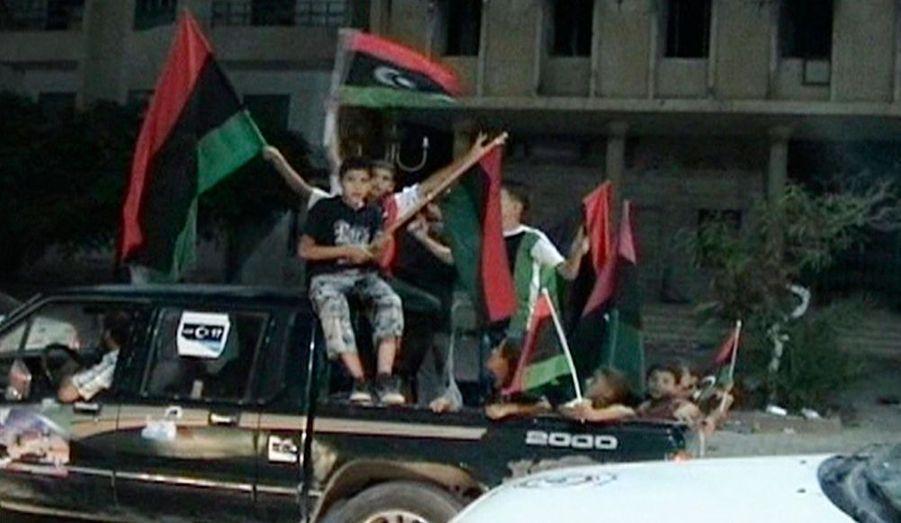 Des scènes de liesse à Misrata, ville martyre de la guerre civile libyenne, ont été observées. La population libyenne semble avoir rejoint la rébellion dans sa lutte contre les dernières forces de Mouammar Kadhafi.