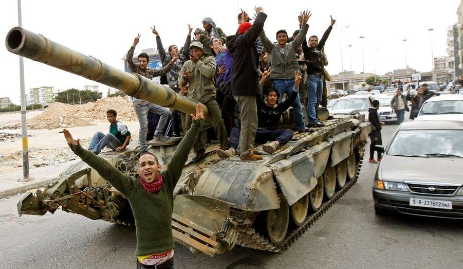 Après des jours de combats inégaux, les insurgés reprennent espoir.