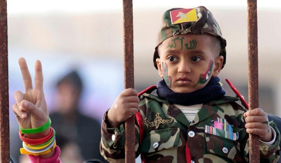 Dès le début de la contestations, les plus jeunes se sont joints à leurs parents pour rejeter la politique de Kadhafi. Ici en mars à Benghazi, la place forte rebelle.