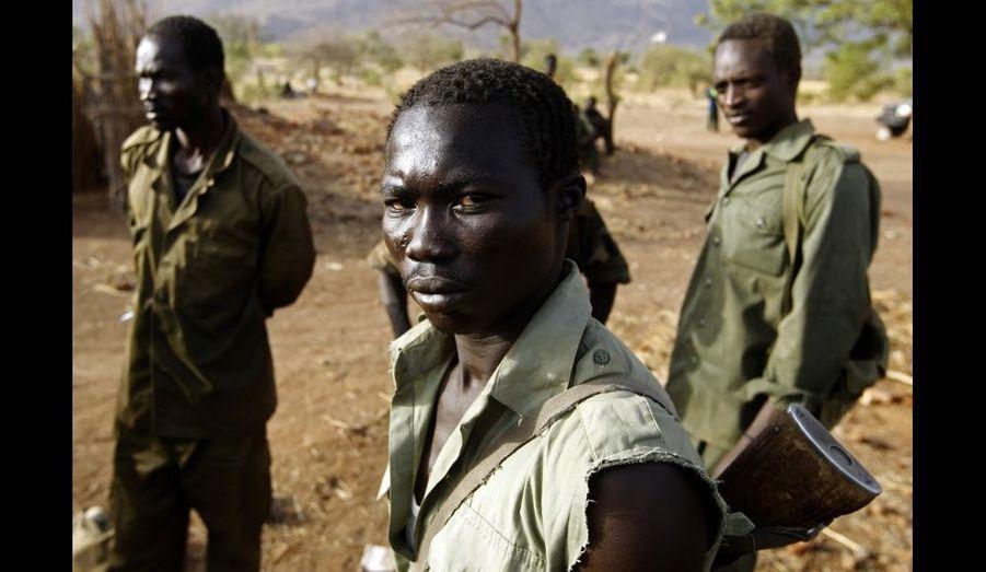 Un combattant des rebelles du SPLA-N, dans le village de Gos, au sud-Kordofan, au Soudan.
