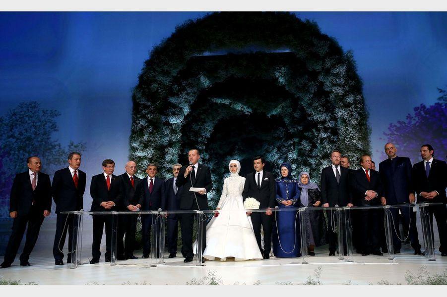 Sümeyye, la fille du président turc Recep Tayyip Erdogan, s'est mariée samedi 14 mai à Istanbul.
