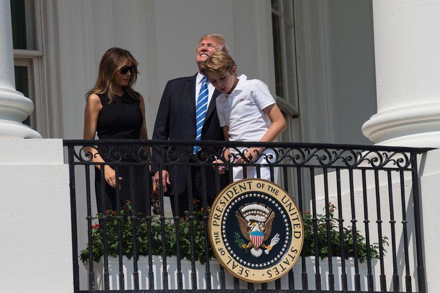 Melania, Donald et Barron Trump à la Maison Blanche, le 21 août 2017.