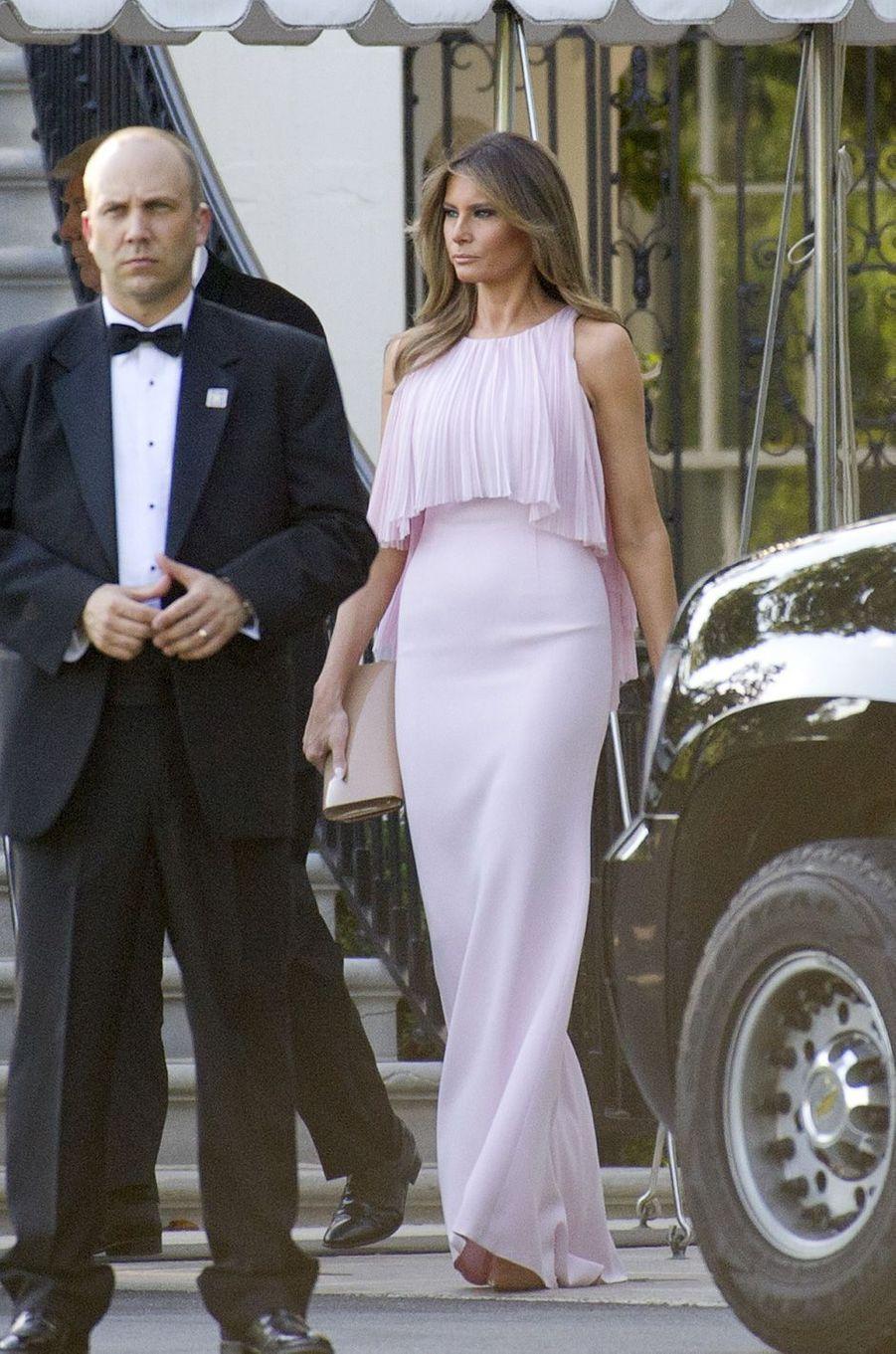 Melania Trump quittant la Maison Blanche, le 24 juin 2017.