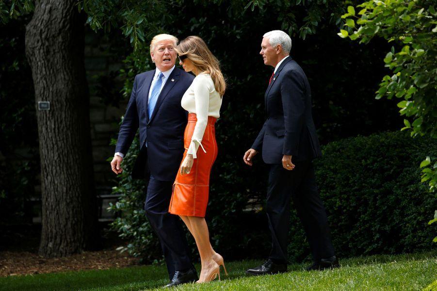 Donald Trump etMelania Trumpquittant la Maison Blanche, le 19 mai 2017.