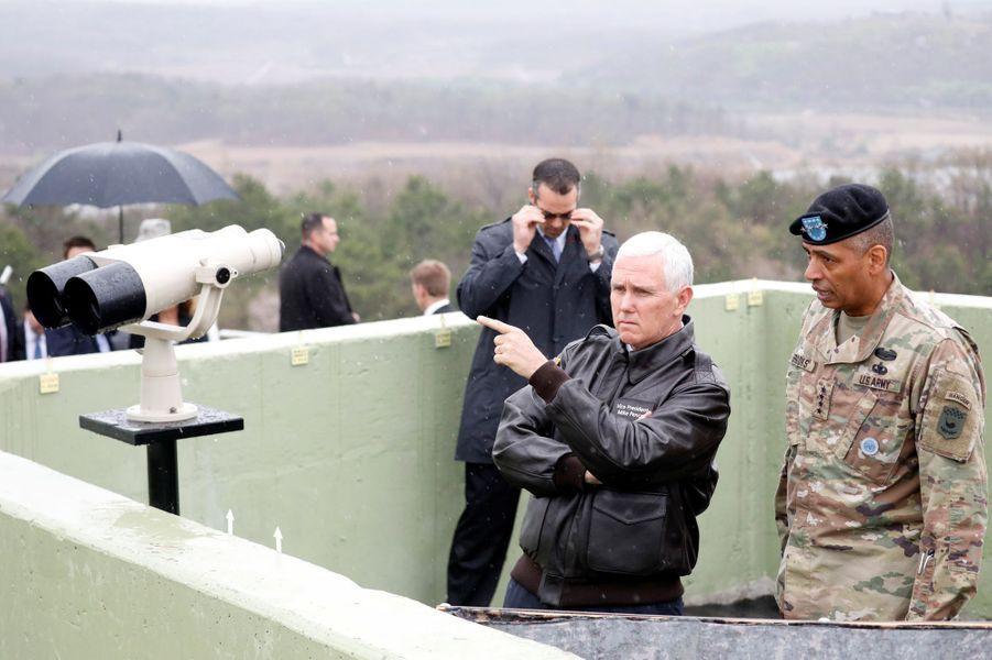 Le vice-président américain Mike Pence en Corée du Sud, le 17 avril 2017.