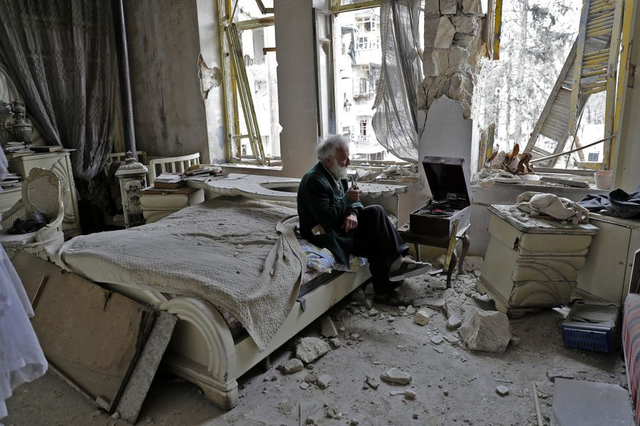 Mohammed Mahiedine Anis chez lui, à Alep, en mars 2017.