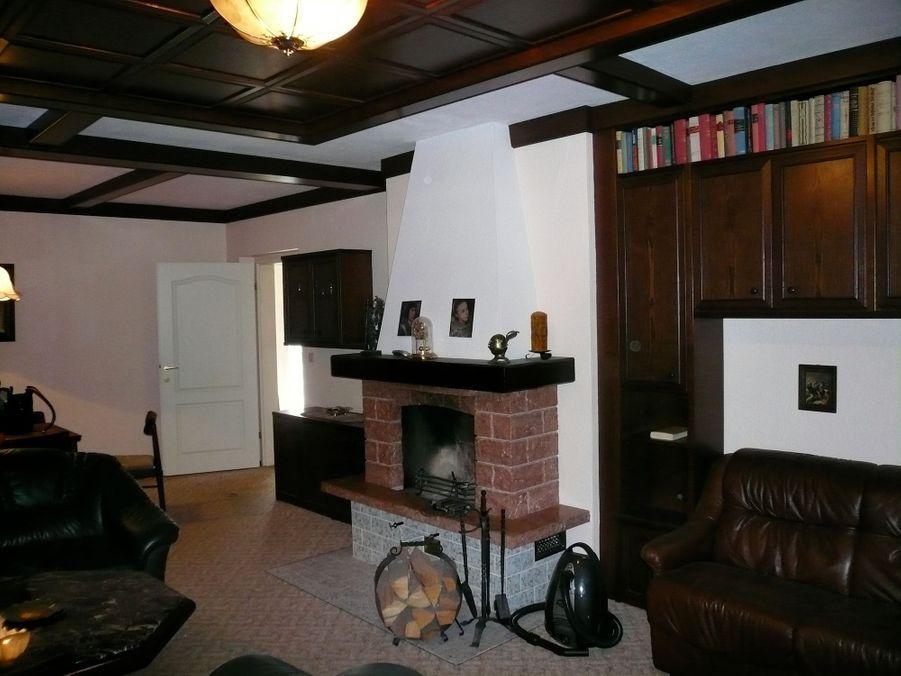 natascha kampusch 10 ans apr s retour dans la maison de l 39 enfer. Black Bedroom Furniture Sets. Home Design Ideas