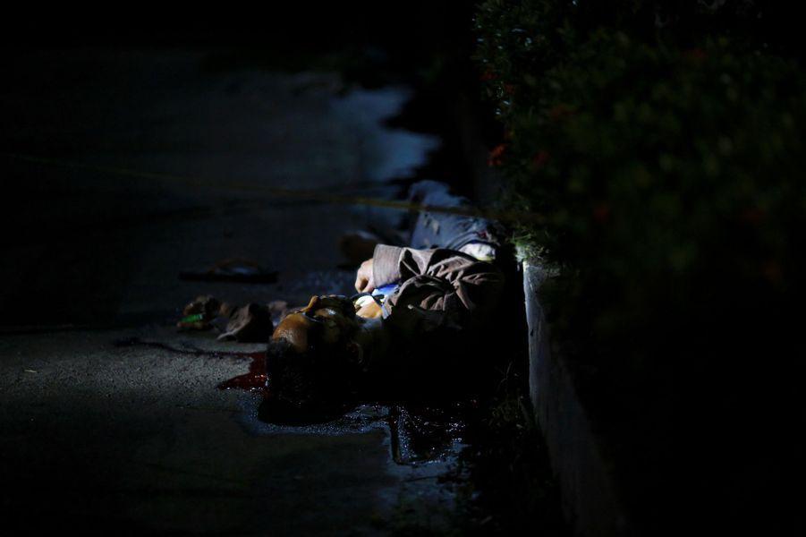 Un homme a été tué dans les rues de Manille, aux Philippines, le 18 octobre 2016.