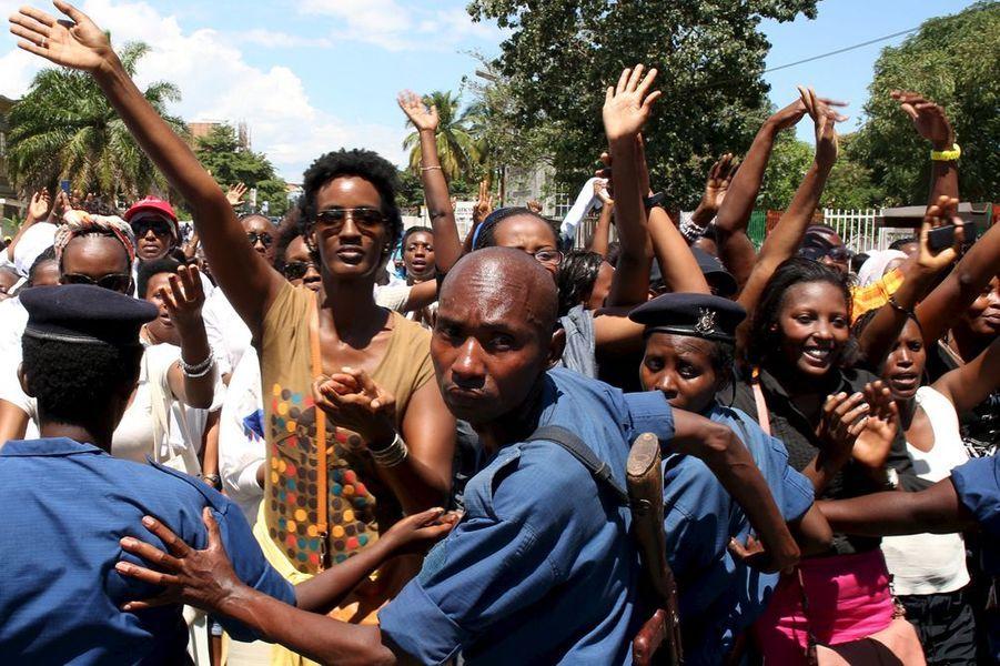 300 femmes dans les rues du Burundi