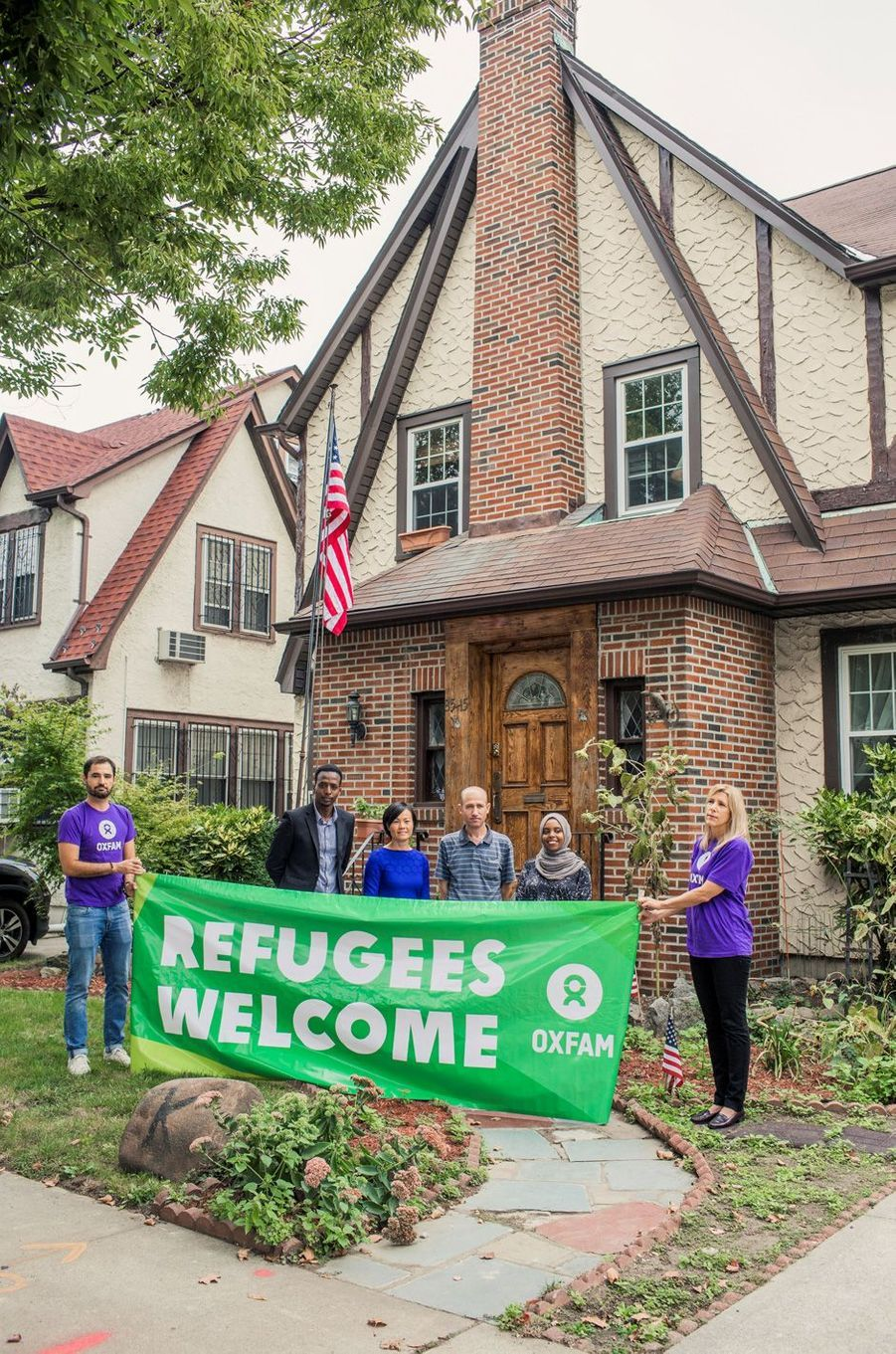 oxfam accueille des r fugi s dans la maison d 39 enfance de donald trump. Black Bedroom Furniture Sets. Home Design Ideas