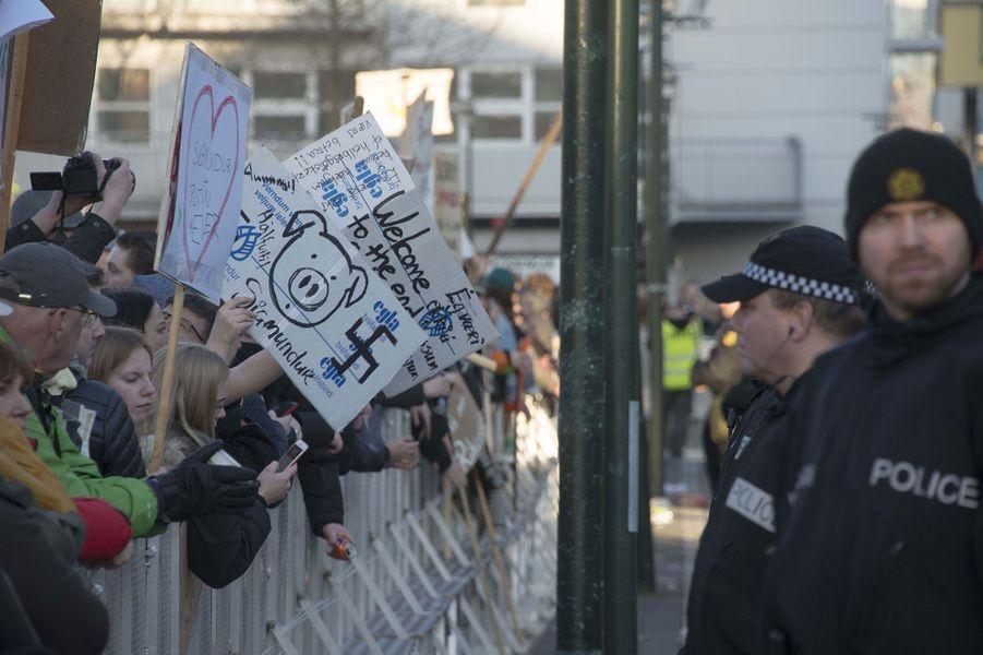 Les Islandais sont descendus dans les rues de Reykjavik pour réclamer la démission de leur Premier ministre
