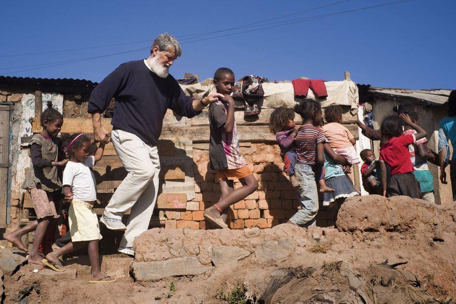 """Résultat de recherche d'images pour """"afrique, faubourgs, medical, santé, afrique, pauvreté"""""""