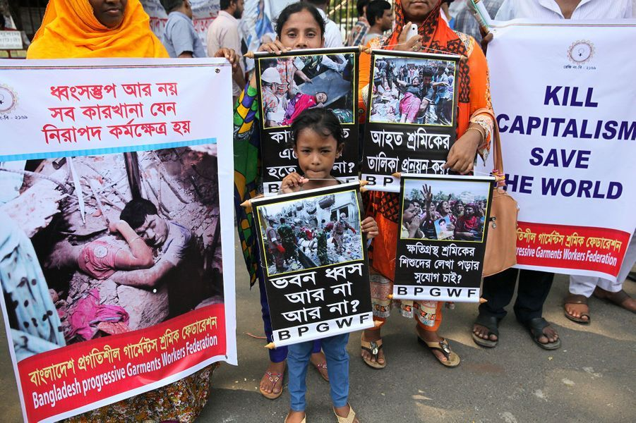 Plusieurs milliers d'ouvriers du textile au Bangladesh ont demandé justice dimanche, trois ans après la catastrophe du Rana Plaza