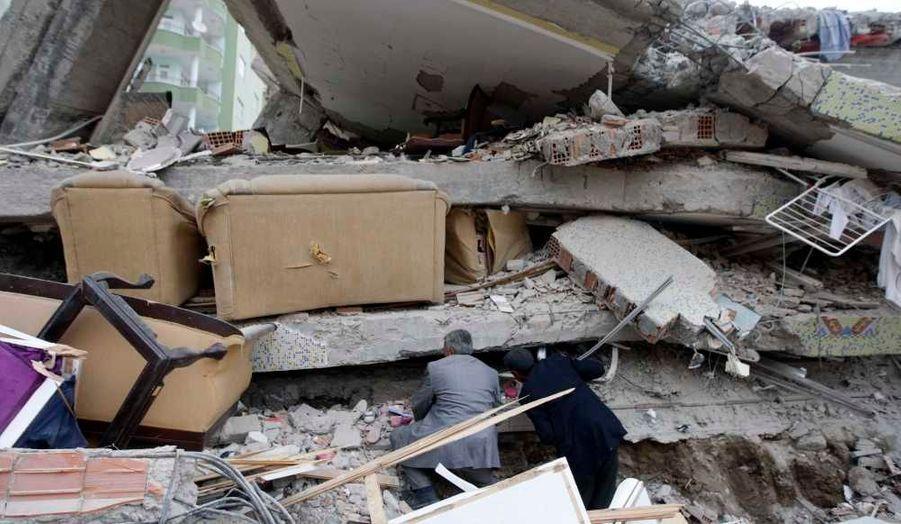 Plus de 2000 bâtiments détruits