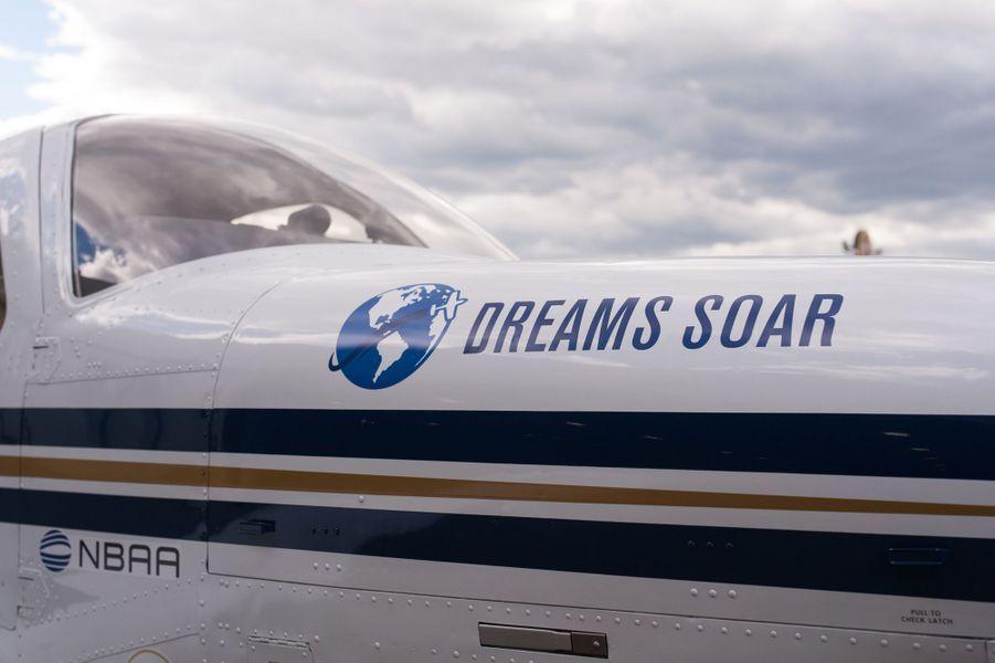 L'avion de la jeune pilote afghaneShaestaWaiz à Montréal, au Canada, le 15 mai 2017.