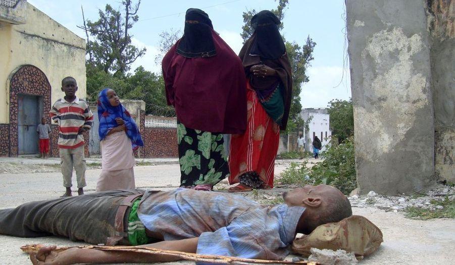 Au moins 80 civils auraient été tués depuis lundi dernier selon les services médicaux de la ville. Le chiffre officiel risque d'être beaucoup plus lourd.