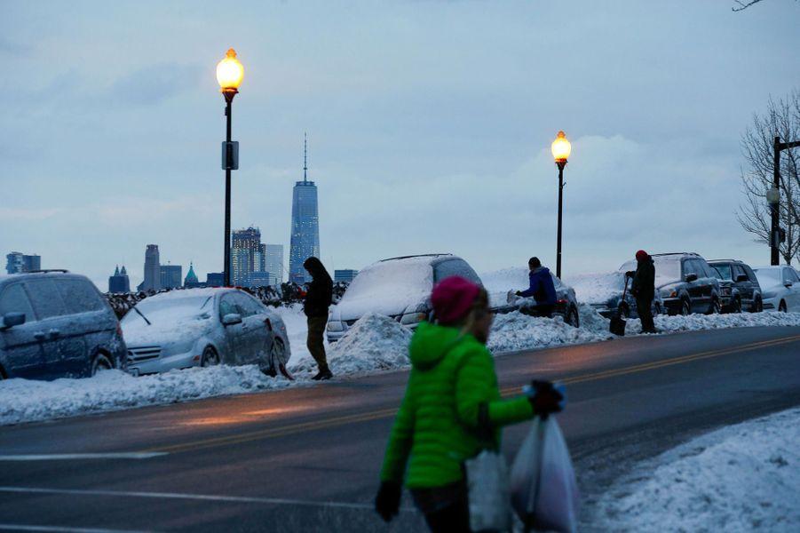 Le nord-est des Etats-Unis était sous la neige et la grêle mardi.