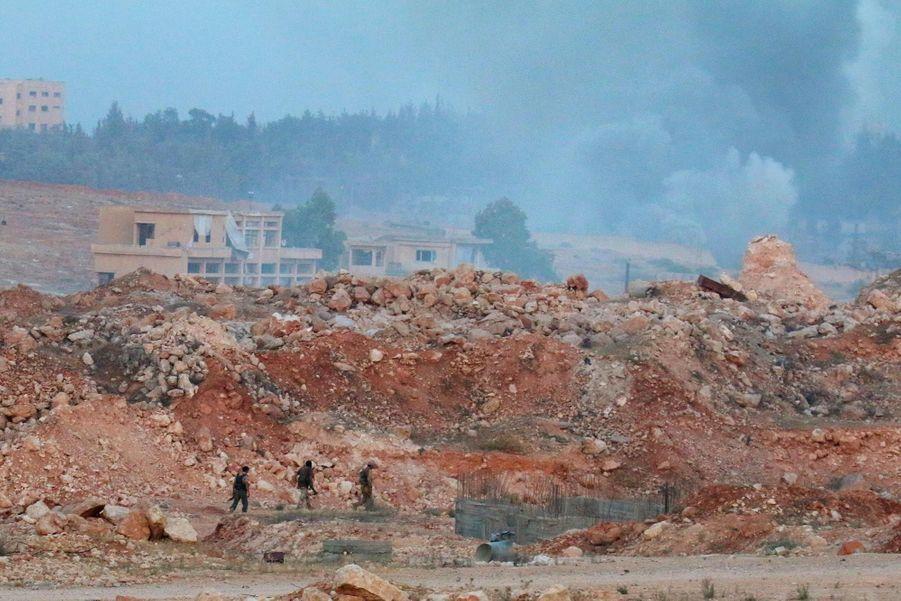 """Les rebelles dans la zone du """"1070 Apartments Project"""""""