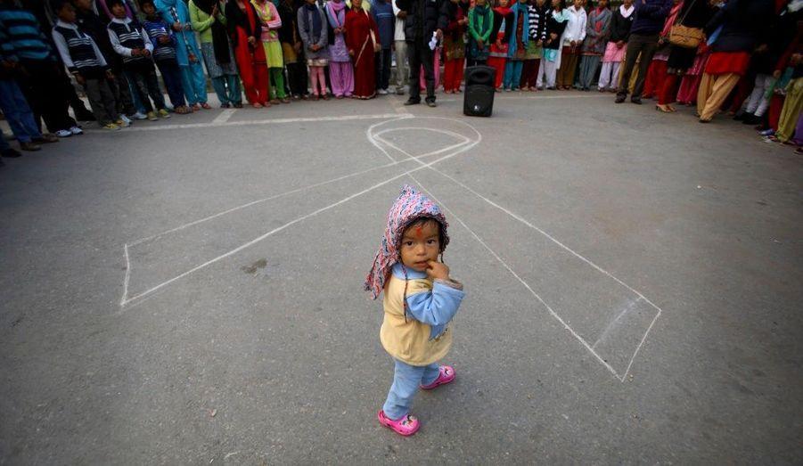 Au Népal: Rassemblement dans les écoles