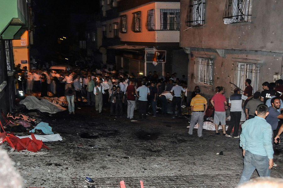 """Le président turc estime que Daech est """"probablement"""" derrière l'attaque qui a coûté la vie à au moins 50 personnes"""
