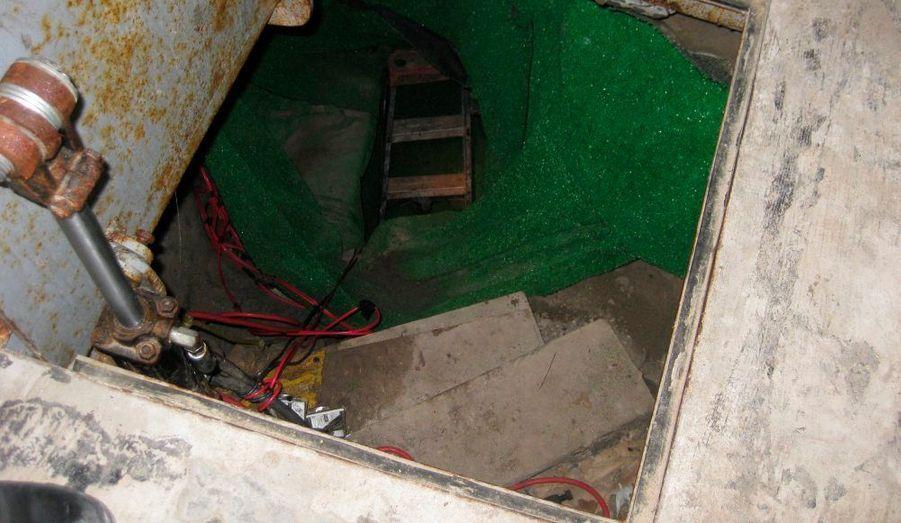 Une entrée du tunnel découvert sous la frontière
