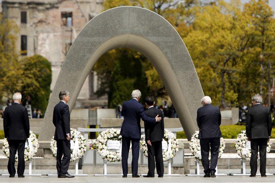 Visite historique de John Kerry à Hiroshima