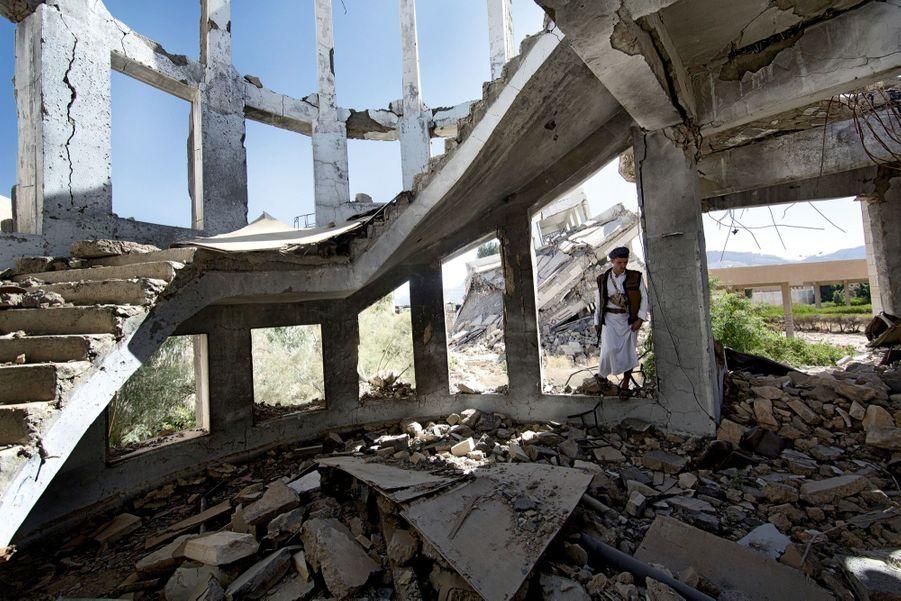 A Saada, berceau de la rébellion houthie, au nord de Sanaa. Le quartier administratif a été rasé.