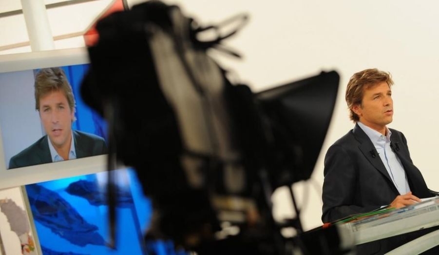 Guy Lagache, connu notamment pour diriger l'émission Capital, sur M6, a été choisi pour présenter le futur JT de la chaîne privée. La première édition doit avoir lieu le lundi 30 mars prochain, à 19h45, croit savoir Le Parisien. Guy Lagache, 43 ans, fait en outre partie des quatre journalistes ayant interviewé Nicolas Sarkozy lors de l'émission Face à la crise (avec Laurence Ferrari (TF1) , David Pujadas (France 2), et Alain Duhamel (RTL)).
