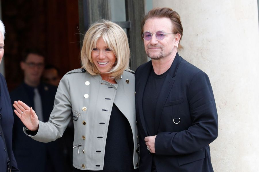 Brigitte Macron et Bono à l'Elysée lundi après-midi.