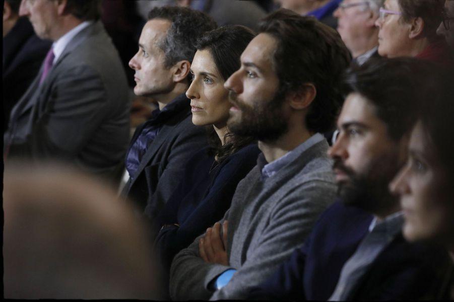 Marie Fillon et ses frères, dimanche au meeting de La Villette.