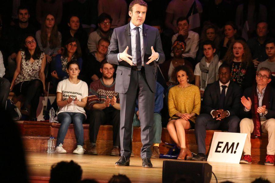 Emmanuel Macron en meeting au Central Hall Westminster à Londres.