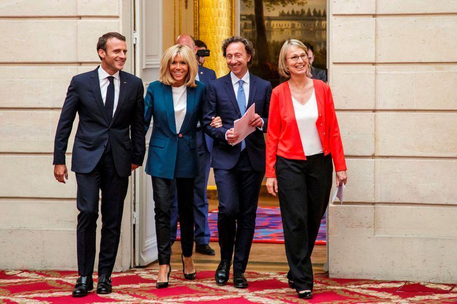 Emmanuel Macron, Brigitte Macron, Stéphane Bern et Françoise Nyssen, jeudi à l'Elysée.