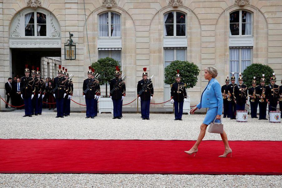Brigitte Macron est arrivée à l'Elysée dimanche, jour de passation des pouvoirs